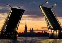 разводка мостов ночью в СПБ
